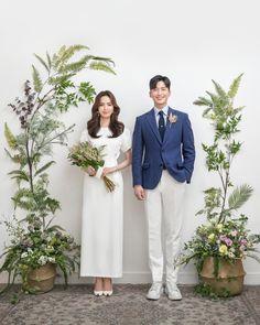 Pre Wedding Poses, Pre Wedding Photoshoot, Wedding Couples, Wedding Backdrop Design, Korean Wedding Photography, Photo Couple, Wedding Inspiration, Photoshoot Inspiration, Dream Wedding Dresses