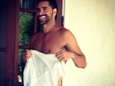 John Stamos can get it #cangetit