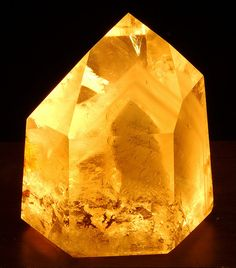Quartz with Phantoms
