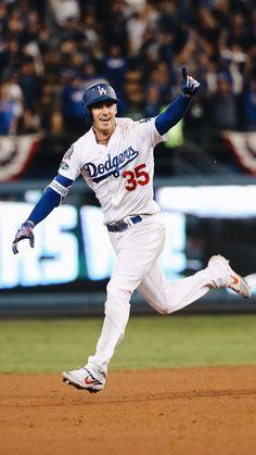 Cody getting a Homerun! Dodgers Nation, Let's Go Dodgers, Dodgers Girl, Baseball Boys, Dodgers Baseball, Baseball Players, Baseball Stuff, Bellinger Dodgers, Baseball Wallpaper