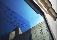 modularplus / olá lisboa Louvre, Windows, Building, Travel, Lisbon, Viajes, Buildings, Destinations, Traveling