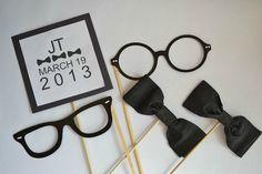 Tem seu terno e gravata? Pronto para uma festa em preto e branco?