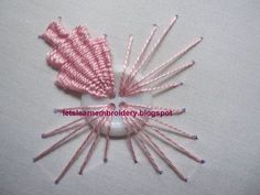 Let's learn embroidery: Indian Embroidery Button Kamal Kadai. Shown is the Woven Trellis Stitch. Easy Stitch! Different! I LOVE THE BUTTON IDEA!! jwt