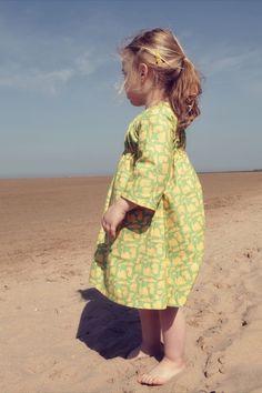 Kleider - Dino Mädchenkleid grün/gelb gemustert smhope - ein Designerstück von smhope bei DaWanda
