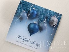 Biznesowe kartki na Święta Bożego Narodzenia oraz Nowy Rok z niebieskim stroikiem