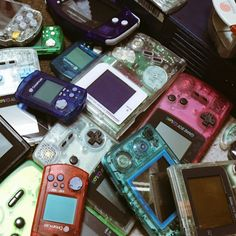 Dealer of Aesthetic Backgrounds - Women's Fashion Nintendo, Aesthetic Grunge, Aesthetic Vintage, Vaporwave, Twin Set, Estilo Retro, My Vibe, Gaming Computer, Aesthetic Pictures