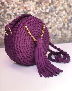 Best 12 Today I'm showing you how to crochet for absolute beginners. A detailed step-by-step tutorial on how to crochet – SkillOfKing. Crochet Doily Rug, Free Crochet Bag, Crochet Basket Pattern, Crochet Circles, Crochet Gifts, Diy Crochet, Crochet Handbags, Crochet Purses, Tuto Sac