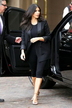 """10 Kardashian outfits that made us say """"WOW"""" this year"""