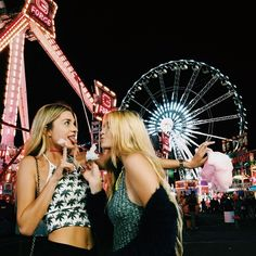 @missscissortail I demand a picture like this at the fair. Only with more clothes.
