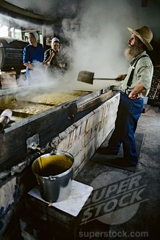 Making Sorghum molasses at Muddy Pond, Monterey, Tennessee