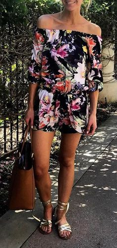 cute summer outfit: printed jumpsuit + bag