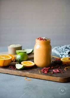 This Goji Berry Orange Smoothie doesn't have greens in it, but it's loaded with superfoods to help boost the immune system and promote healing. #SimpleGreenSmoothie #smoothie #berry #orange #superfoods