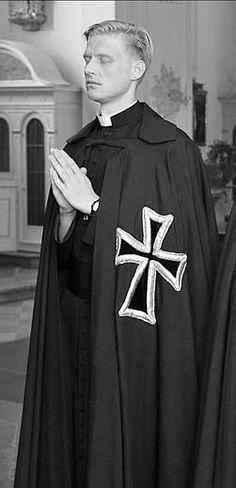 classicaristocrat:  Deutscher Orden     Teutonic Order