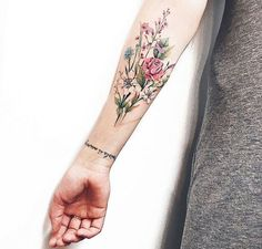 I love this floral tattoo. with tattoos I love this floral tattoo. with tattoos Nature Tattoo Sleeve, Nature Tattoos, Body Art Tattoos, New Tattoos, Tatoos, Flower Sleeve Tattoos, Color Tattoos, Tattoo Sleeves, Life Tattoos