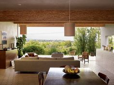 In 1957, Arthur Witthoefft, an architect for Skidmore, Owings, & Merrill built his award-winning home in Armonk, New York. In the early aughts, a couple bought the now dilapidated structure and hired Witthoefft (who had moved years earlier) back as the consultant, and restored the home to its previous glory, with a few contemporary touches. Photo by Jason Schmidt