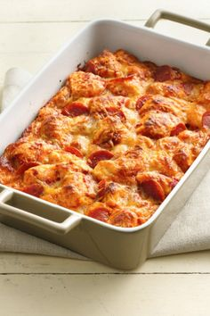 Super easy pizza bake with Grands! biscuits for pan pizza lovers! 440 calories per serving 6 servings