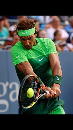 Rafael Nadal US Open 2015 Revés a dos manos. Impacto de la bola: delante de cuerpo, separado de éste, a la altura de la cintura y centrado en las cuerdas... Resultado de #trabajo, #tesón, #buenametodología, #motivación....., algunos de los fundamentos del #talento