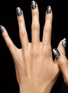 STYLING Model Hands :: Look To Wear Nail - L'Oréal Paris