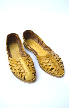 Vintage Huarachas Yellow Weave Size 7 by VacationVintage on Etsy
