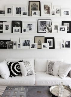 Wand dekorieren Wohnzimmer Fotos schwarz weiß Wall decorating living room photos black and white Living Room Photos, Living Spaces, Inspiration Wall, Interior Inspiration, Decor Room, Living Room Decor, Safari Living Rooms, Ikea Wall Decor, Bedroom Decor