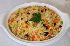Arroz à grega tradicional, um prato de arroz muito completo e saboroso! Descubra a receita, clique na imagem!