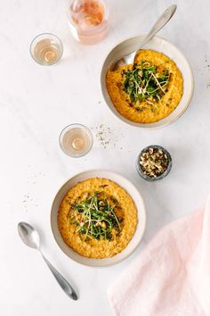 Creamy Vegan Carrot Risotto Topped with Pea Shoots and Dill Hazelnuts Pea Recipes, Carrot Recipes, Healthy Recipes, Vegan Main Dishes, Tasty Dishes, Vegan Risotto, Potato Puree, Vegetarian Recipes Dinner, Dinner Recipes
