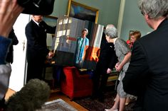 HRH Princess Benedikte received Friday, May 2, 2014 representatives of Queen Isabella Foundation, which presented a portrait of the Princess, painted by Lars Physant.