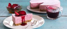 This plumtastic cheesecake brings out the unique tangy flavour and vibrant colour of black doris plums and is sure to stay around on your dessert menu for many seasons to come, absolutely divine! Desserts Menu, Cold Desserts, Delicious Desserts, Dessert Recipes, Ginger Cheesecake Recipe, Cheesecake Recipes, Food In A Minute, Springform Cake Tin, Plum Recipes