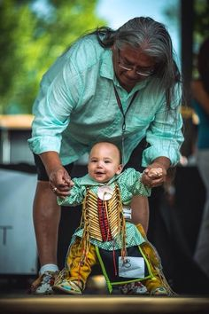 mortuus-lamia:  This is the cutest thing I have ever seen. Native American Clothing Contest 2013. Photo: Max Mcdonald