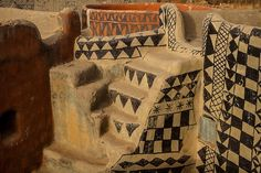 Gurunsi villages, tiebele, south of Burkina Faso. Photo by Anthony Pappone, photographer.
