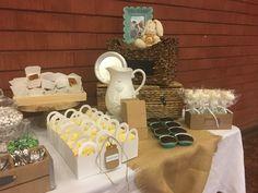 Polomitas, cupcakes, cheesecake, paletas de bombón, y pequeños detalles de decoración