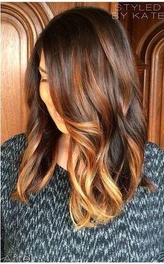 Coloration cheveux - Balayage caramel sur base brune