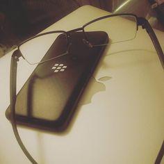 #inst10 #ReGram @chan_herbert: 係我無好好咁睇住你一年一部的魔咒幾時先完R. I. P  #blackberryclubs #blackberry #z30 #rip #舊嘅唔去新嘅唔黎 #破財擋災 #BlackBerryClubs #BlackBerryPhotos #BBer #BlackBerry #BlackBerryMens #2016 #Security #WeAreBlackBerry