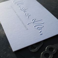 Business card with blindprägung of the owners' signature. Soporset Premium Offset