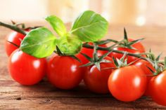 New research has found that a diet rich in tomatoes can help decrease of the risk of developing breast cancer in postmenopausal women.Tomatoes May Help Lower Breast Cancer Risk is a post from: CalorieLab - Health News & Information Blog