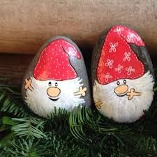 garten steine Painted Rock Ideas - Do you need rock painting ideas for spreading rocks around your neighborhood or the Kindness Rocks Project Heres some inspiration with my best tips! Pebble Painting, Pottery Painting, Pebble Art, Stone Painting, Rock Painting, Stone Crafts, Rock Crafts, Arts And Crafts, Christmas Rock