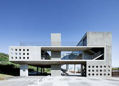 I love this fricking project. For a house, A little brutalist, clean, modern. Awesome!