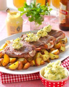 Med fylld lövbiff har du snabbt en festlig måltid på bordet. Toppa med ett örtsmör med smak av citron.