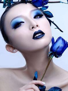 Eyes makeup inspiration - #blue #makeup
