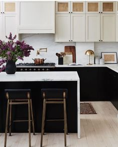 Black And White Modern Luxury Kitchen Interior Design Inspo With White Marble Counter Tops And Black Cabinetry And Island Painted Kitchen Tiles, Kitchen Reno, Kitchen Dining, Kitchen Cabinetry, Chef Kitchen, Studio Kitchen, Kitchen Remodeling, Home Interior, Kitchen Interior