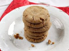 Soft Gingerbread Cookies are chewy, delicious and easy to make and full of the flavors of cinnamon, cloves, ginger and molasses. Ginger Bread Cookies Recipe, Ginger Snap Cookies, Cookie Recipes, Dessert Recipes, Brunch Recipes, Yummy Recipes, Soft Gingersnap Cookies, Cookies Soft, Almond Cookies