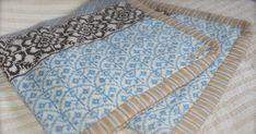 I fjor sommer fikk jeg forespørsel fra Pinneguri om jeg ville teststrikke et nytt babyteppe som hun hadde laget mønster på. Hun hadde all...