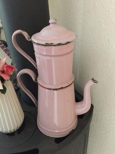 zauberhafte französische Kaffeekanne Patina von DUNKELROT-VINTAGE auf DaWanda.com