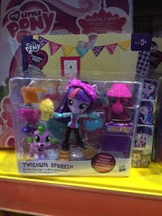 A blog about new My Little Pony (Friendship is Magic) merchandise! Releases, news, reviews and guides ranging from MLP toys, plush, figures, fakies and more!