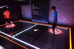 Nike unveiled a special digital sport exhibition in Tokyo, Japan this past weekend, showcasing the latest Nike+ innovations. Interaktives Design, Deco Design, Event Design, Interactive Exhibition, Interactive Walls, Exhibition Ideas, Interactive Activities, Guerilla Marketing, Event Marketing