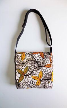 African Print Messenger Bag, Ankara Cross Body Bag by Mawufemor on Etsy Fabric Crossbody Bags, Small Crossbody Bag, Ankara Bags, Handmade Fabric Bags, African Crafts, Small Messenger Bag, Thing 1, Printed Bags, African Fabric