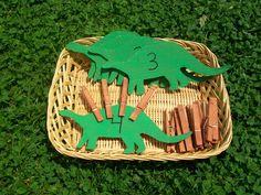 Dinosaur Unit for Tots w/ Free Printables - Diy acorns - Diy undertale - Dinosaur Theme Preschool, Dinosaur Classroom, Dinosaur Activities, Montessori Activities, Preschool Crafts, Toddler Activities, Toddler Crafts, Montessori Materials, Montessori Trays