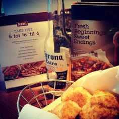 Red lobster biscuits Red Lobster Biscuits, Appetizers, Fresh, Meat, Chicken, Food, Snacks, Appetizer, Entrees
