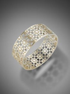 Lattice Bangle From Shanghai Tang Gold Roses 635 Complementos Y Joyas Pinterest