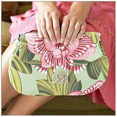 I Am Momma - Hear Me Roar: 10 FREE Bag Patterns to Try